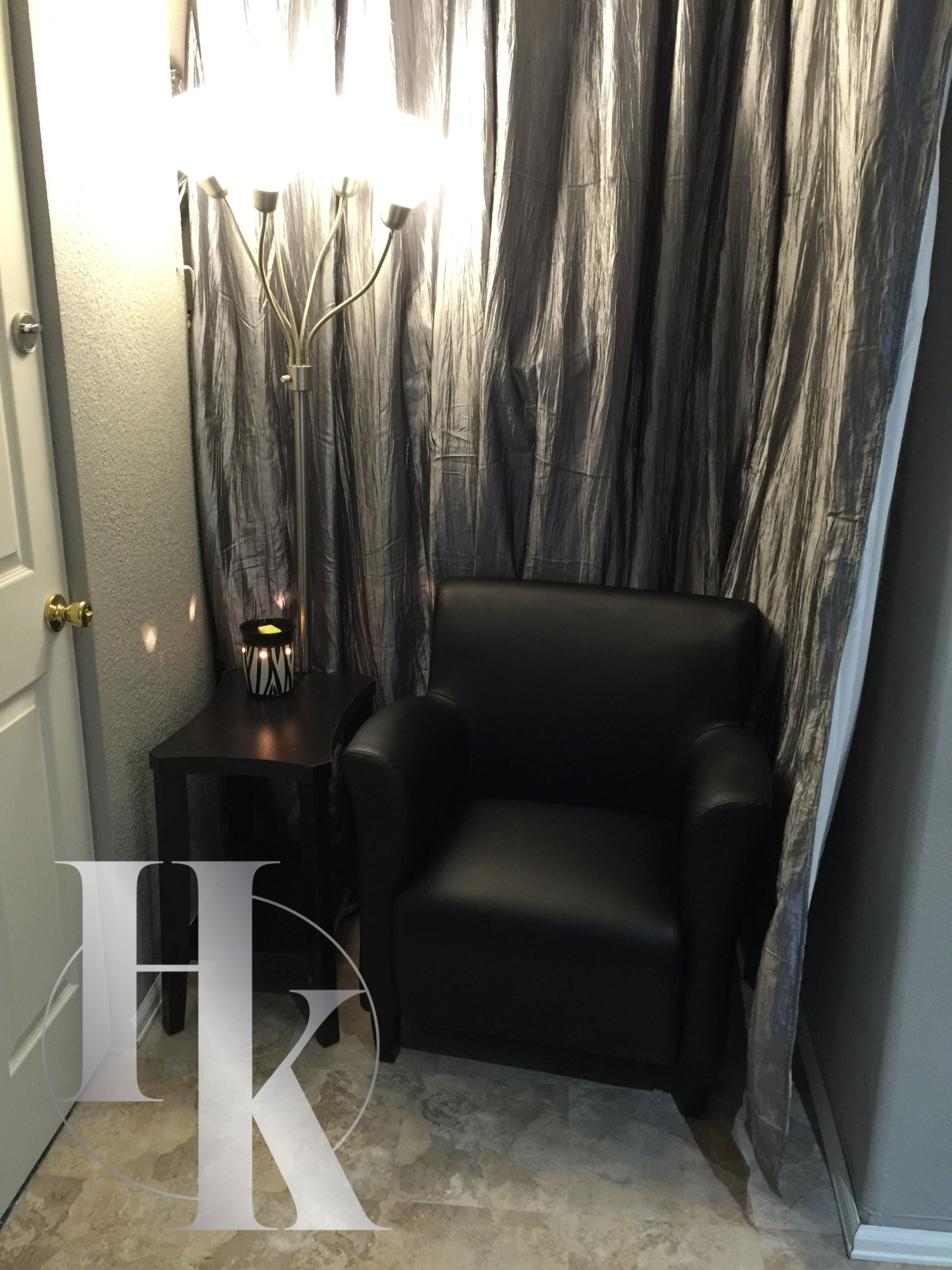 HK Wax Center Chair